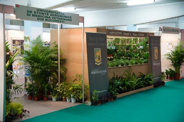expo-flowers-and-garden-si-romenvirotec-2016-15DA59E4E3-AA70-B586-6299-4297C37A1815.jpg